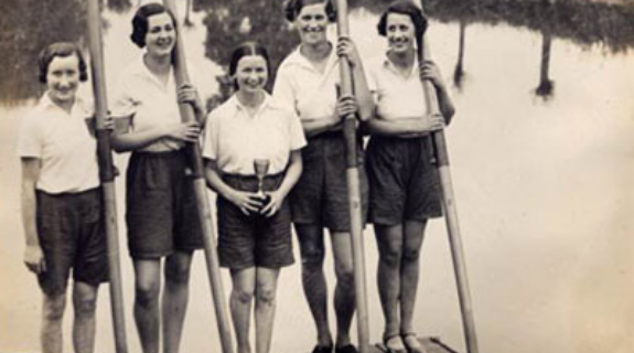 Bath Ladies Rowing Club at Bewdley 1934